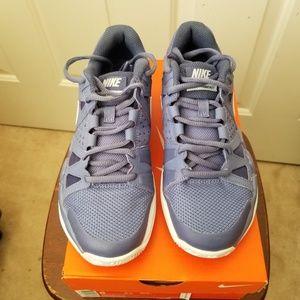 Nike Air Vapor Advantage court shoes size 6